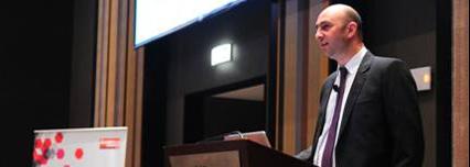 Fernando García durante la presentación de los resultados del Barómetro