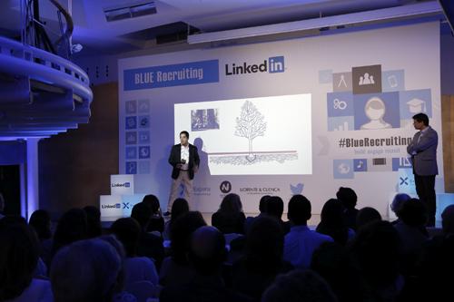 Luis_Miguel_Pena-Adolfo_Corujo_blue_recruiting