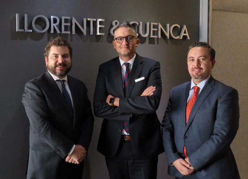 De izda. a dcha., Juan Arteaga, Alejandro Romero y Rogelio Blanco